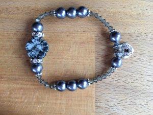 Armband mit Blume aus Obsidian