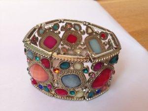 Armband mit bunten Glas- und Natursteinperlen