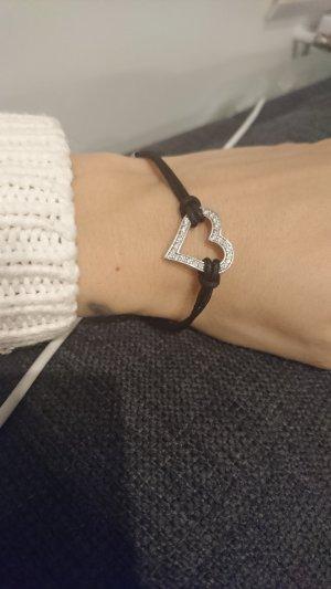 Armband mit Herzanhänger aus Silber
