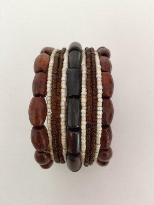 Armband mit Holzperlen