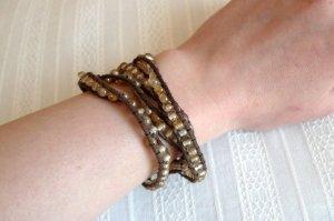 Armband mit Perlen NEU