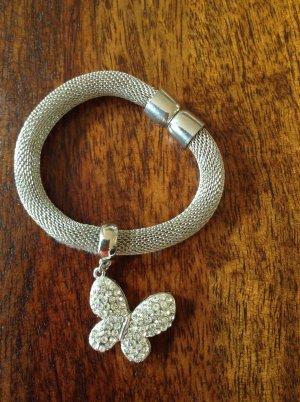 Armband mit Schmetterlingsanhänger