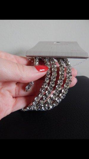 Armband mit Strasssteinen