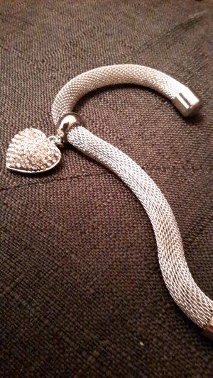 Armband mit süßem Herzanhänger