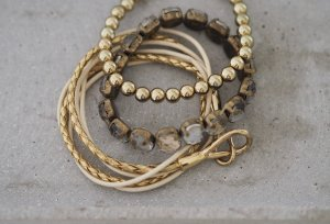 ARMBAND-SET in glamourösen Gold