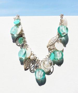 Armband türkis/silber mit Charms und Perlen