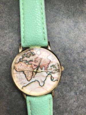Horloge met lederen riempje lichtgroen-groen