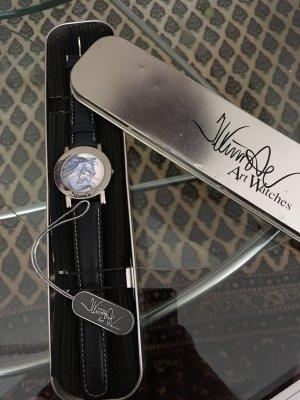 Reloj con pulsera de cuero azul oscuro