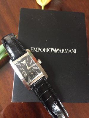 Armbanduhr von Armani