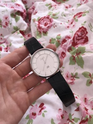 Armbanduhr von Just.