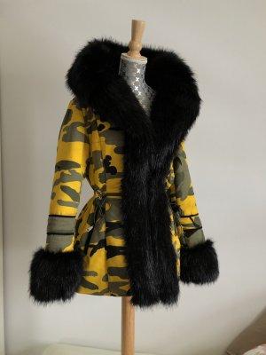 chic et jeune Fur Jacket black-yellow