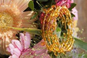 Armreif in Orangetönen und Bernsteinfarben Armband in Gold-Orange-Tönen