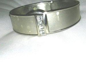 Armreif Metall mit Uhr