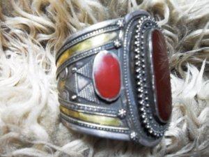 Armreifen,  Silber, rote Steine,   Berberschmuck