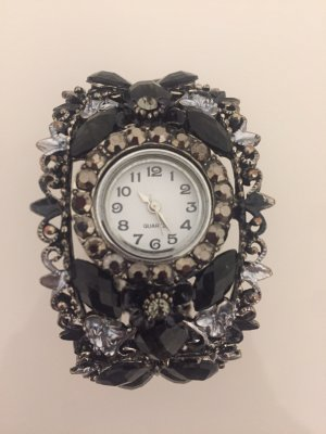 Reloj analógico negro-color plata