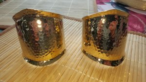 Armlet gold-colored