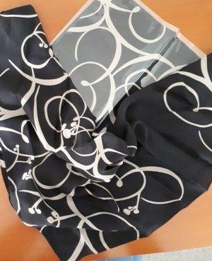 Pañoleta negro-crema