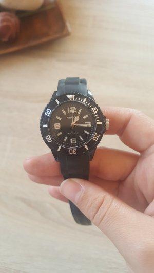 Ascot Uhr in Schwarz