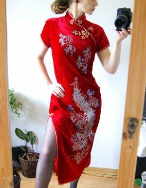 Asia vintage Traum Seidenkleid blutrot, Samtkleid mit Seitenschlitzen und Pfauenmotiv, floral