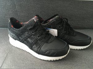 Asics Beauty and The beast 38 schwarz weiß Turnschuhe sneaker Blogger
