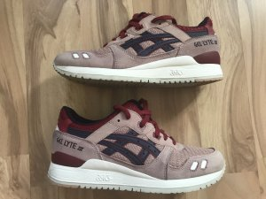 Asics Basket à lacet rose-bordeau