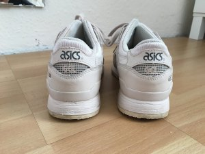 Asics Sneakers pink