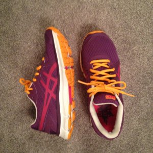 Asics Gel-VOLT33 2 Natural Running Schuhe lila-pink-orange Gr. 39 (passt 38)