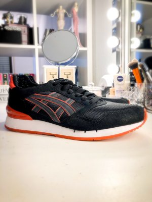 Asics Basket à lacet noir-orange