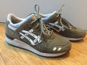 Asics Sneakers met veters olijfgroen-khaki