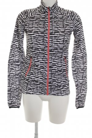 Asics Windbreaker abstract pattern street-fashion look