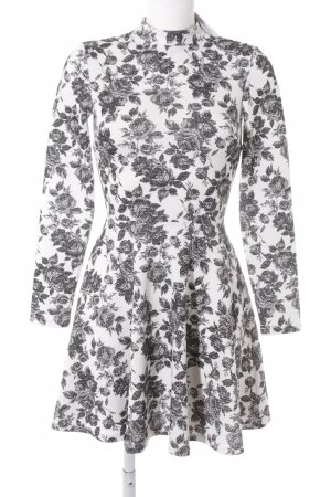 Asos A-lijn jurk zwart-wit bloemen patroon Britse uitstraling