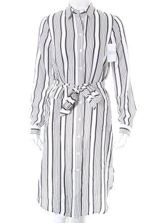 Asos Blusenkleid weiß-schwarz Streifenmuster minimalistischer Stil