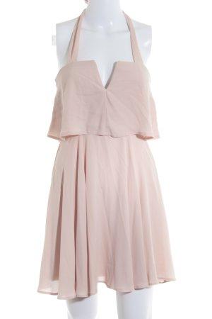 Asos Vestido bustier rosa look con capas