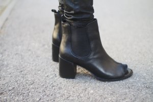 ASOS Cut Out Stiefeletten, Boots, Schwarz, 40
