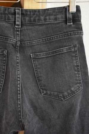 ASOS High-Waist-Jeans, zerrissen