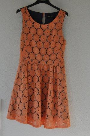 ASOS Kleid aus Spitze, Lochspitze, süß, 50ies, Preppy, Blogger