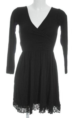 Asos Langarmkleid schwarz schlichter Stil