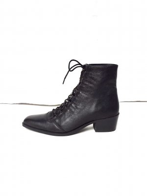Asos Leder Lace Up Ankle Boots Western Cosy Schnürstiefeletten Clean Chic