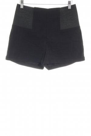 Asos Petite High-Waist-Shorts schwarz Casual-Look