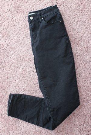 Asos Röhrenhose in schwarz