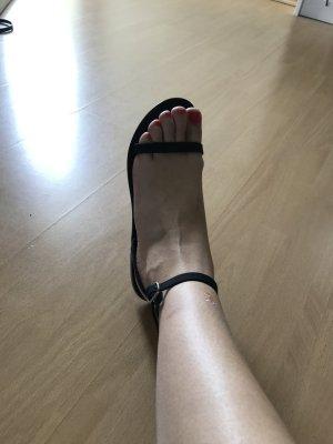 Asos Sandale Sandalen Sandalette Gummi matt 40 Flats