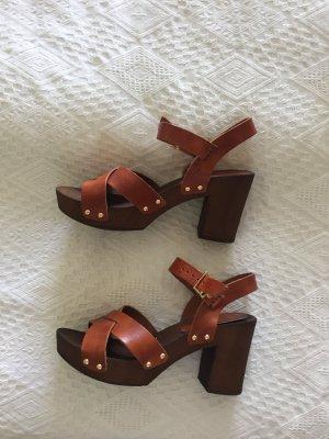 Asos Sandalen aus Leder Braun
