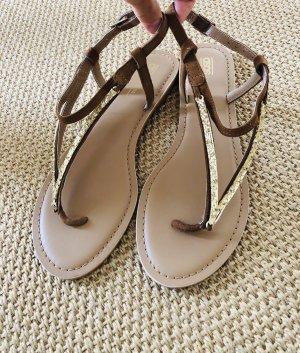 Asos Sandalias de tacón con talón descubierto marrón claro-color oro