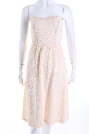 Asos Spitzenkleid creme Blumenmuster Romantik-Look