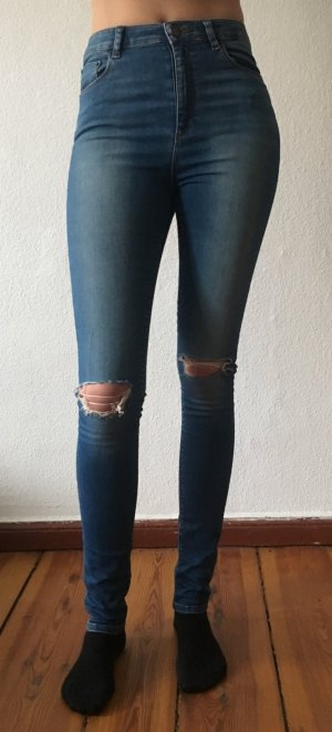Asos Tall - High Waist Skinny Jeans mit hohem Bund im destroyed look - 28/36