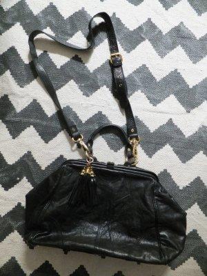 Asos Tasche Doctors Bag Echtleder Schwarz Gold Troddeln tassel