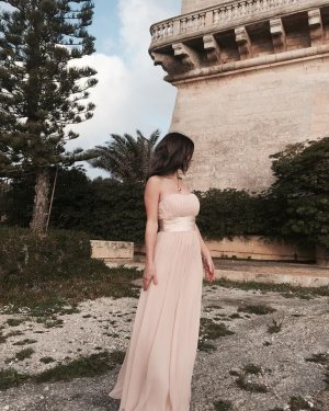 Asos  Wunderschönes Abendkleid nude 36 (8)Neu