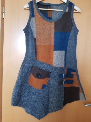 Asymetrisches Hängerchen-Kleid mit Filz aus Wolle