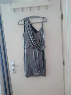 asymetrisches Kleid im Metallic-Look!