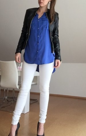 Asymmetrisch geschnittene Bluse